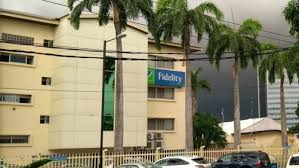 How much do fidelity bank staff earn